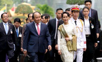 Parata accoglie Aung San Suu Kyi in Vietnam