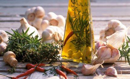 Olio aromatizzato per esaltare il sapore dei piatti