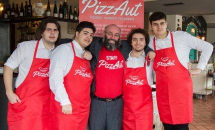 Arriva PizzAut, l'app che fa lavorare persone con autismo