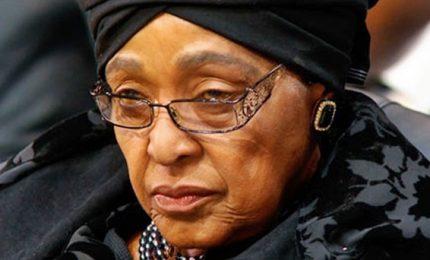 Addio a Winnie, lato oscuro di Mandela. L'ex moglie del presidente aveva 81 anni