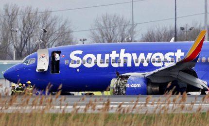 Panico in volo nei cieli di Philadelphia, un morto e 7 feriti