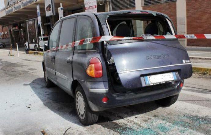 Auto assaltata sull'A/2 in Calabria, denunciati 20 tifosi Catania