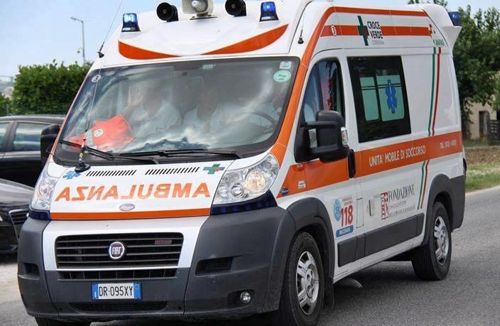 Ambulanza bloccata da varco a Sant'Angelo Ischia. Muore turista