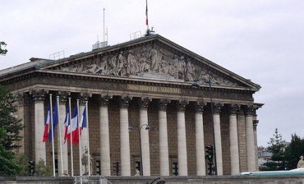 Parlamento approva la legge su asilo e immigrazione