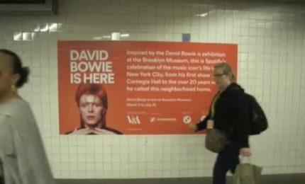 La Bowie-mania invade una stazione del metrò di New York