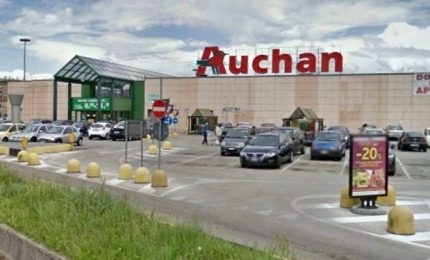 Auchan chiude Catania e Napoli