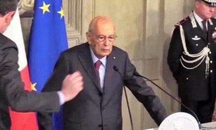 Napolitano: accanto a Mattarella, urgente soluzione
