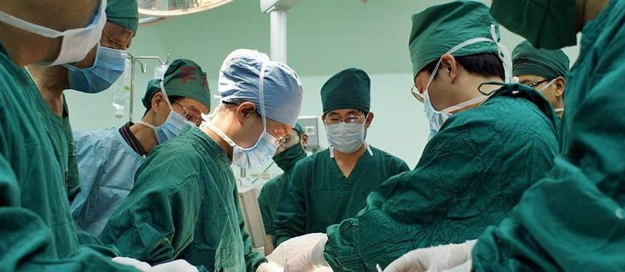 Impiantato su paziente 50enne un femore prelevato da cadavere