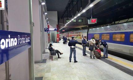 Ragazza 15enne cade sui binari e muore travolta da un treno