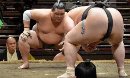 La crociata della sindaca contro sessismo nel sumo