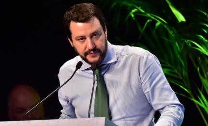 Migranti, Salvini annuncia querela a Saviano