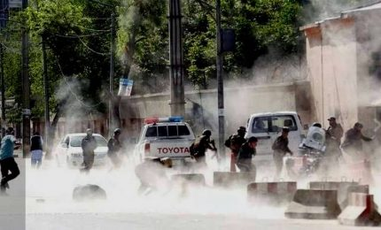 Attentato a Kandahar, almeno 16 le vittime. I talebani avanzano