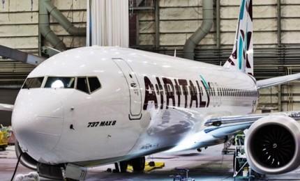 Air italy presenta il primo Boeing 737 Max in nuova livrea