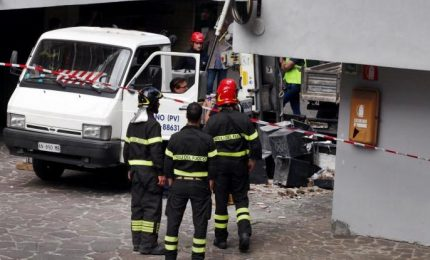 Incidente alle acciaierie Venete, 4 feriti gravi. In azione anche l'elisoccorso
