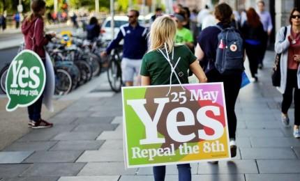 """Svolta in Irlanda, 70% sì all'aborto. Il premier: """"Il popolo ha chiesto Costituzione moderna"""""""