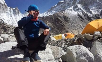 L'astronauta Maurizio Cheli ha conquistato la vetta dell'Everest