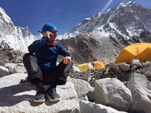 L'astronauta Maurizio Cheli in vetta all'Everest