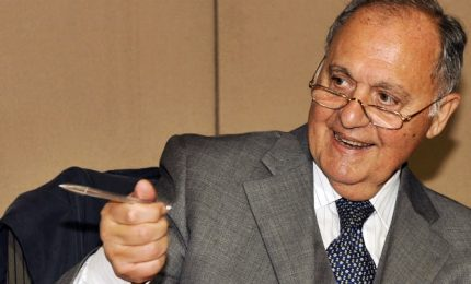 Savona mette mani avanti: l'ho votata a patto di verifiche trimestrali