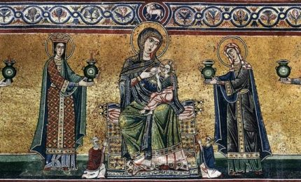 Torna a splendere la facciata di Santa Maria in Trastevere