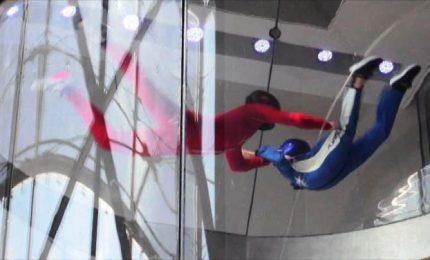 Volare senz'ali, tutti pazzi per il simulatore di caduta libera