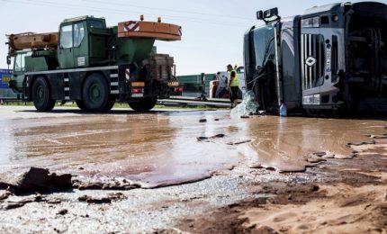 Dodici tonnellate di cioccolato bloccano l'autostrada