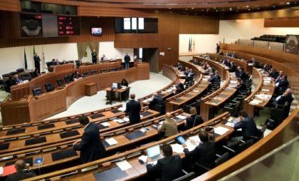 Sardegna, rinviati a giudizio 30 ex consiglieri regionali su fondi gruppi