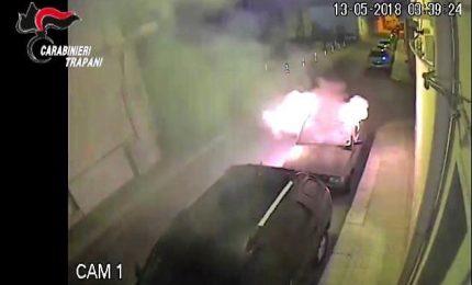 Dava fuoco alle auto in sosta, arrestato un 24enne a Trapani