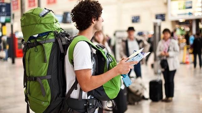 Ue permetterà a 15mila 18enni di viaggiare gratis in estate
