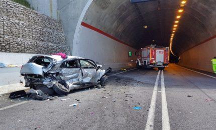 Scontro tra due auto nel Beneventano, 2 morti e un ferito