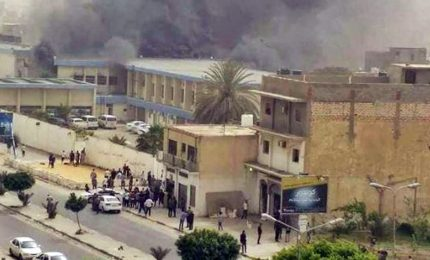 Attacco a Tripoli, oltre 16 morti. Isis rivendica