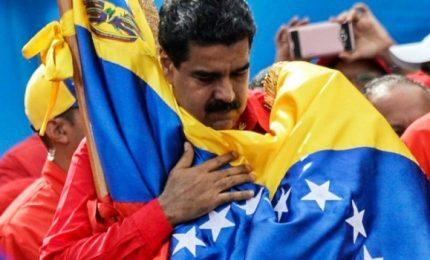 Presidenziali in Venezuela, Maduro rieletto fino a 2025. E tende la mano all'opposizione, serve dialogo