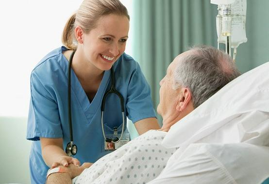 Sempre più anziani e malati: almeno due patologie per il 70,7% degli over 65