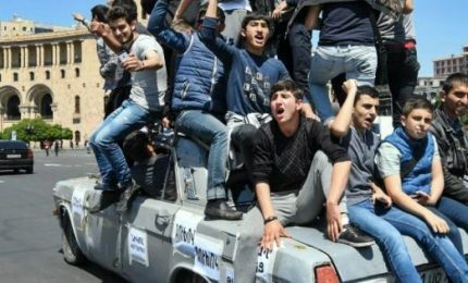 Proteste bloccano Erevan. Elezione premier 8 maggio, rischio ritorno urne