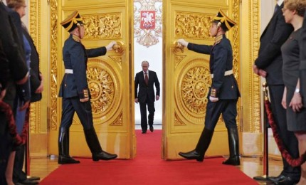 Il Cremlino avverte: abbattimento aereo Il-20 danneggia rapporti con Israele