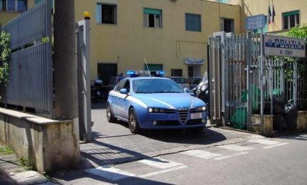 Violenza di gruppo su una turista inglese, 5 arresti a Sorrento