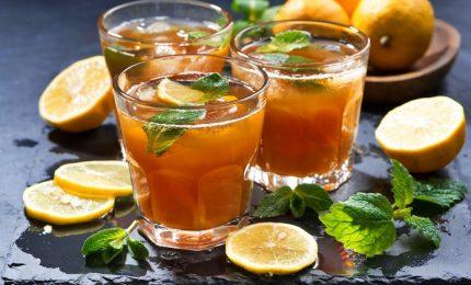 Salute, il tè freddo fa bruciare più calorie di quello caldo