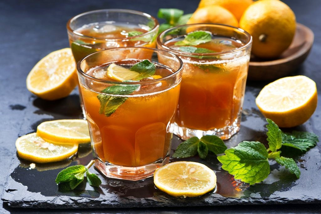 Il tè freddo fa bruciare più calorie di quello caldo