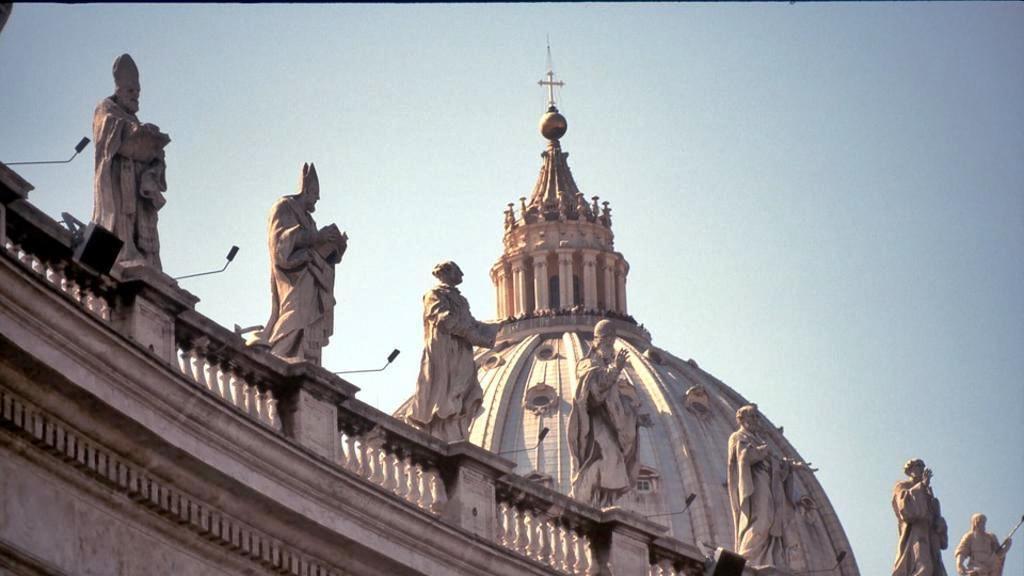 Il Papa adotta un codice degli appalti, svolta in Vaticano