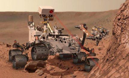 Il rover Curiosity ha trovato materia organica su Marte. La vita potrebbe essere presente anche oggi
