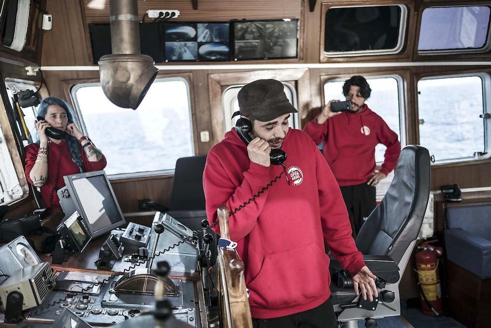 Migranti, Open Arms con 59 a bordo in mezzo alla guerra dei porti