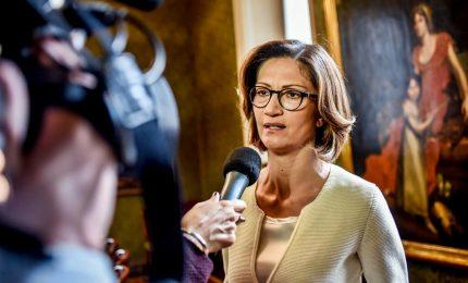 Decreto riapertura, opposizioni unite: grave rinvio Conte a Camere