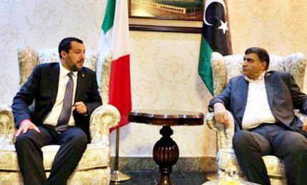 Salvini vola a Tripoli: con la Libia intese commerciali e sui migranti