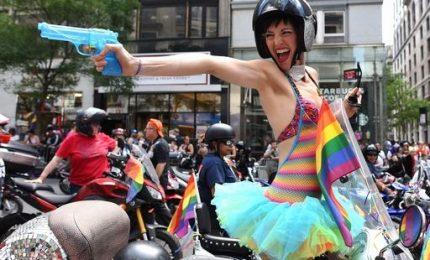 New York, migliaia al Gay Pride tra diritti e attacchi a Trump