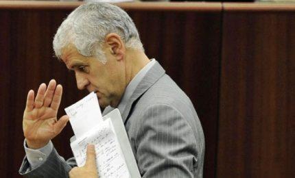 """Sequestrati 15 immobili, 3 conti e crediti istituzionali a Formigoni. L'ex governatore: """"Fake news"""""""