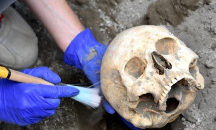 Ritrovato il cranio del fuggiasco, la prima delle vittime emerse nel cantiere dei nuovi scavi della Regio V