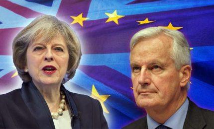 Evitare frontiera in Irlanda, Barnier boccia Gran Bretagna
