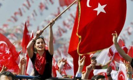 Turchia, economia mette a rischio la scommessa elettorale di Erdogan