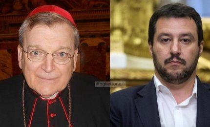 E spunta una foto di Salvini con il cardinale conservatore Burke