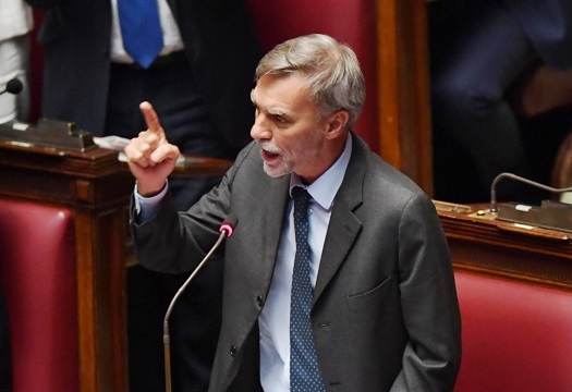 Italia-Libia, bocciata linea Minniti. Pd evita spaccatura in Aula