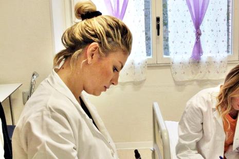 Emma Marrone in ospedale con i bimbi, il grazie della Santarelli